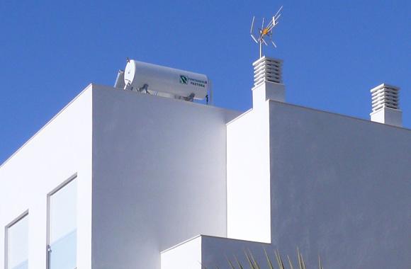 Ecoracasa villa solar panels
